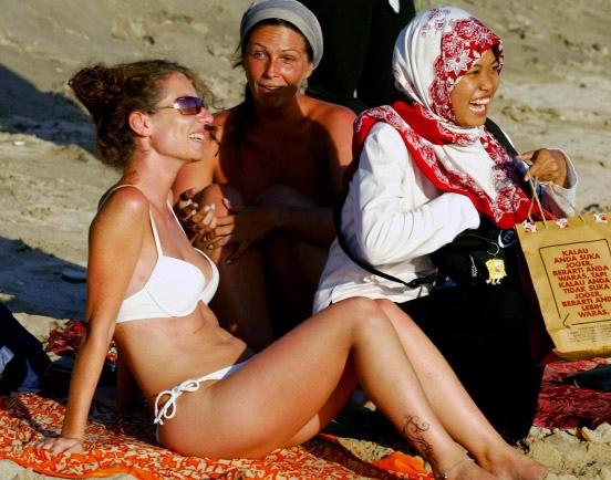 typisch kleid saudi arabien